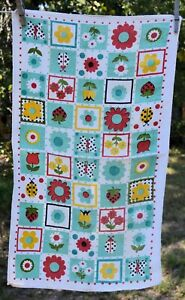 """Vintage Kitchen Dish Towel flowers green/red/yellow 16x26"""""""