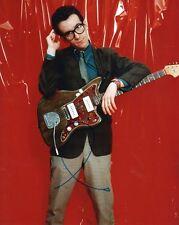 Elvis Costello Autogramm signed 20x25 cm Bild