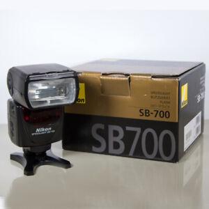 Nikon SB-700 Speedlite Flashgun for Nikon DSLR cameras Boxed