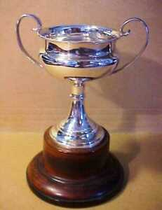 SOLID SILVER SMALL TROPHY CUP ON WOOD BASE HALLMARK c1928 ADIE BROS 160 mm TOTAL