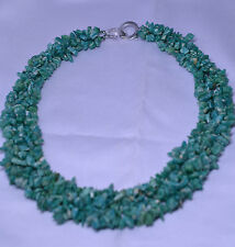 WIDE TURQUOISE COLOR STONE CHIP 20 INCH NECKLACE WITH INTERLOCKING CIRCLE CLASP
