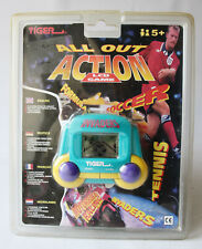 RARE VINTAGE 1995 INVADERS ALL OUT ACTION LCD HANDHELD GAME TIGER NEW SEALED !