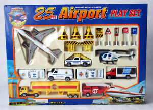 RARE VINTAGE 90'S WELLY DIE CAST AIRPORT PLAYSET 25 PCS PLANE OIL TRUCK NEW !
