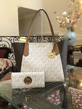 NWT MICHAEL KORS PVC KIMBERLY BONDED TOTE BAG IN VANILLA/BROWN/ACORN + WALLET
