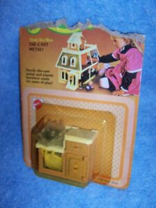 1980 Dollhouse Furniture- Sink/Ice box - the Littles by Mattel #1798