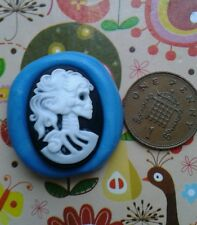 SKULL CAMEO skeleton silicone mould cake topper