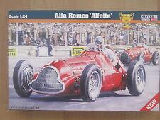 Alfa Romeo Alfetta Rennwagen Oldtimer Auto  1:24 *NEU* Plastikbausatz