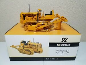 Caterpillar Cat D2 w/ Tool Bar Ripper - SpecCast 1:16 Scale Model #CUST780 New!