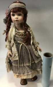 "Hannah Doll Show-Stoppers Inc 22 "" Victorian Girl in Costume with Stand + Box"