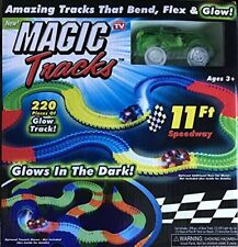 Magic Tracks Bend Flex and Glow Racetrack with 220-Piece Glows In the Dark-NEW