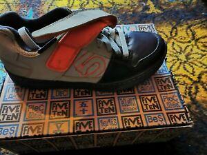 Mtb clipless shoe