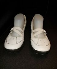 LNWO Women's 9.5M privo by Clarks SOFT WHITE VENTED LEA MARY JANE ATHLETIC SHOES