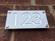 Modern numeri civici incisi in alluminio/bianco effetto indirizzo di casa contemporanea