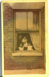 CDV x 1 Portrait of a  Family at the window   1900's