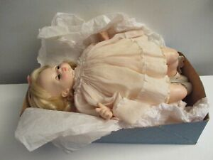 Vintage 1965 Madame Alexander Pussycat Doll #5250 w/Bottom of Box & Bonus Pillow