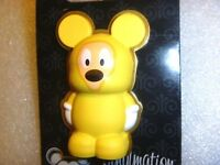 Disney pin - Vinylmation 3D Pins - Mickey Mouse in Poncho