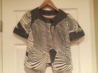 Taikonhu Anthropologie Gray Cap Sleeve Swing Jacket, Size 6