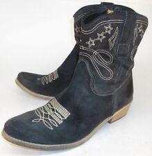 Boutique 9 JOLISA Wos Ankle Boots US 6.5 M Black Suede Stars Zip Cowboy 5676