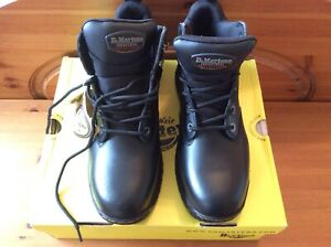 DR MARTENS Industrial AIR WAIR SAFETY Boots BLACK Size 8 BRAND NEW WITH BOX ....