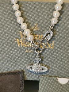 Vivienne Westwood Pearl safety pin Orb Necklace new with Box and card
