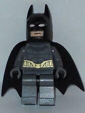 LEGO Batman - Dark Bluish Gray Suit w/ Gold Belt - Batman - Mini Figure (2014)