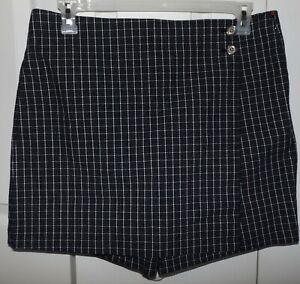 Jones NY Signature Petite 12P black window pane check skort side zip