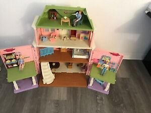 Fisher Price Loving Family Grand Mansion 2008 Accessories People & Furniture