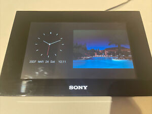 "Sony DPF-D70 7"" Digital Picture Frame"