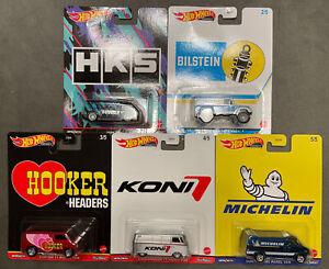 """Hot Wheels 2021 Pop Culture Dash K """"Speed Shop Garage"""" Set of 5, 1/64 DLB45-946K"""