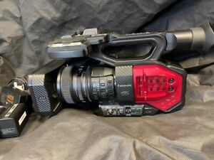Panasonic AG-DVX200 4K Handheld Camcorder with Accessories
