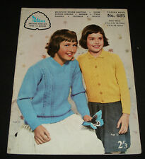 VINTAGE 1960s  PATONS KNITTING BOOK  #685  GIRLS CASUAL JUMPERS TOPS