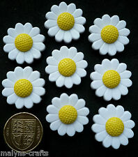 LARGE WHITE DAISIES 8 Novelty Craft Buttons Daisy Flower Garden Plant Nature