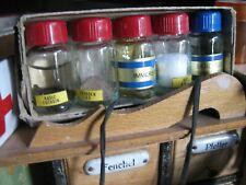 5 alte mini Flaschen + Inhalt f. Puppen Apotheke Labor Kaufladen alt miniaturen