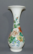 Biedermeier Glasvase, handbemalt,mundgeblasen,weisses Glas,Blumenmalerei, 30,7cm