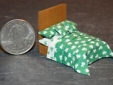 Dollhouse Miniature Bed Shamrocks 1:48 Quarter in scale 1/4 K42 Dollys Gallery