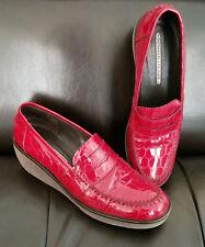 DONALD J PLINER Women's 9.5 N or 9 Red Croc Print Wedge Penny Loafer