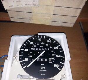 NEW GENUINE BMW 62121377686 SPEEDOMETER E23 E24