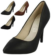 F9665- Ladies Spoton Pointed Toe Court Shoes- 4 Colours.