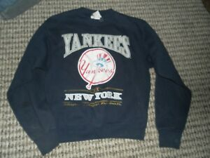New York Yankee Sweatshirt Boys Size Large