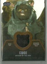 Topps Star Wars Legacy #ER-8 Ewok Fur Hair Costume Memorabilia Relic Card