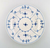Early and rare Royal Copenhagen round dish of museum quality. Early 19th century