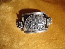 ancienne broche en argent poinçonné. art-déco . old silver brooch