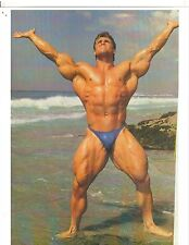 bodybuilder EDDIE ROBINSON Bodybuilding Muscle Color Photo On The Beach