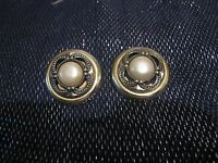 Great gold tone plastic earrings light clip=on with faux pearl approx 1½ ins