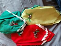 Mid Century Sleigh Bell Linen Napkins Placemats Table Setting 12 Retro VTG Xmas
