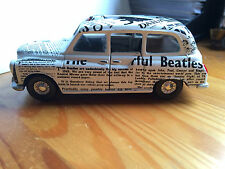 Corgi Toys Austin London Taxi - Newspaper Cab The Beatles 1:36