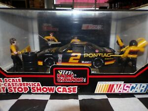 Rusty Wallace #2 Pontiac Pit Stop Show Case 1:24 scale  Racing Champions NASCAR