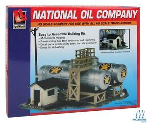 Life-Like 433-1331 National Oil Company  - Building Kit HO Scale 1:87  inc post