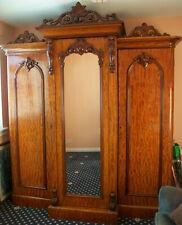 Stunning high quality antique mahogany Victorian wardrobe in original condition.