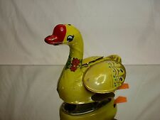 TIN TOY BLECH CHINA MS098 WINDUP SWAN with WINGS  L14.0cm - GOOD CONDITION